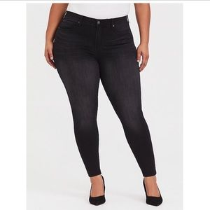 Torrid sky high skinny jeans - plus size 24